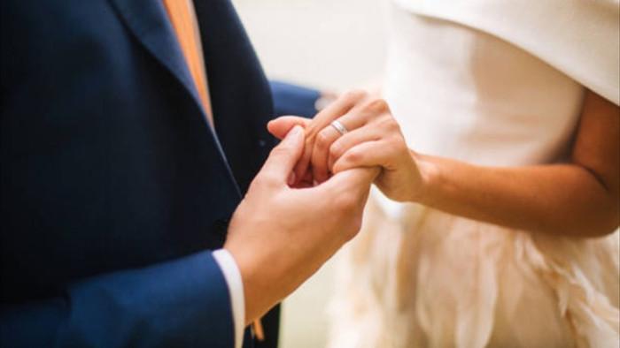 Sau 10 năm ly hôn, ngày gặp lại vợ cũ tôi càng thêm xấu hổ - 1