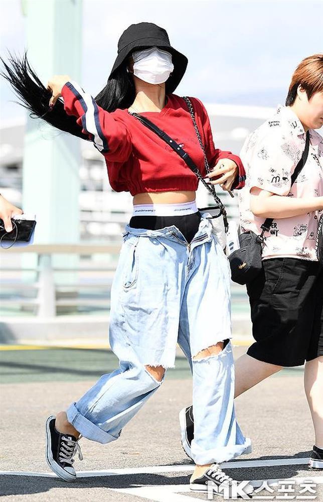Những sao nữ Hàn Quốc bị chỉ trích về trang phục-2