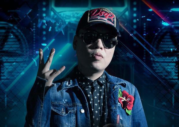 Cận cảnh nhan sắc xinh đẹp vợ hot girl của HLV Rap Việt LK-1