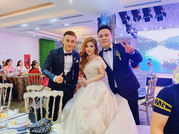 Cận cảnh nhan sắc xinh đẹp vợ hot girl của HLV Rap Việt LK-2