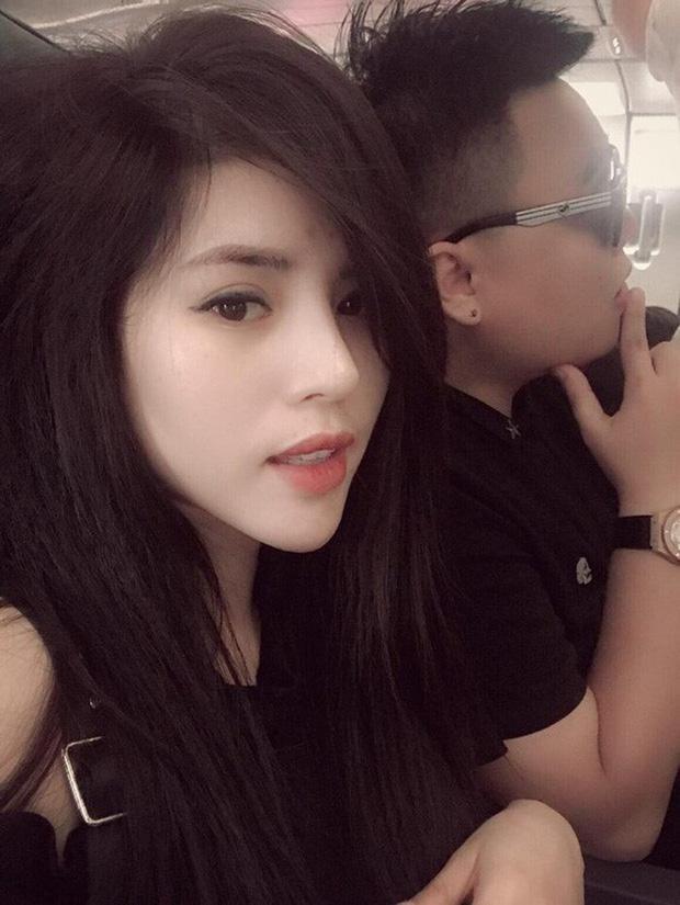 Cận cảnh nhan sắc xinh đẹp vợ hot girl của HLV Rap Việt LK-3