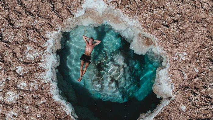 Cảnh tuyệt đẹp tại hồ nước mà người không biết bơi... cũng nổi - 2