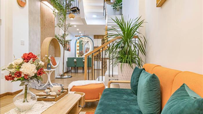 Nhà phố đầy đủ công năng với thiết kế như resort cực chill của vợ chồng trẻ ở Đà Nẵng - Ảnh 3.