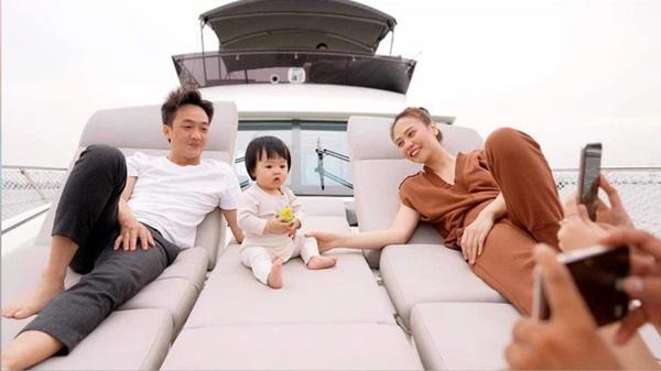 Cường Đô La - Đàm Thu Trang thay mặt công ty ủng hộ 500 triệu đồng cho Quỹ vaccine phòng Covid-19-4