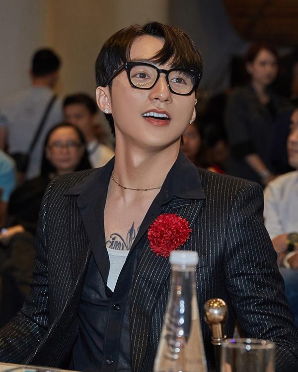 Những lý do ngã ngửa khiến Sơn Tùng, Hương Tràm và Chi Pu bị cấm diễn-4