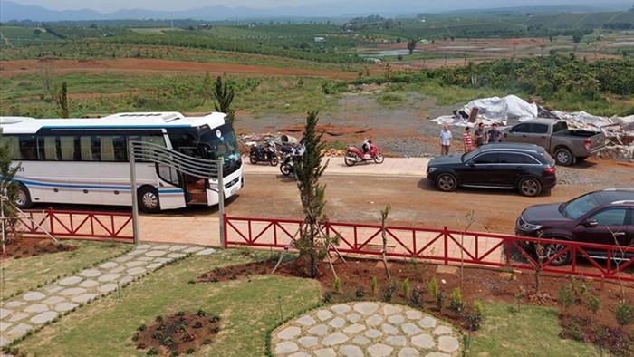 Xẻ đồi thành 1.000 đất nền để bán: Nhiều chỉ đạo quyết liệt ở Lâm Đồng - 2