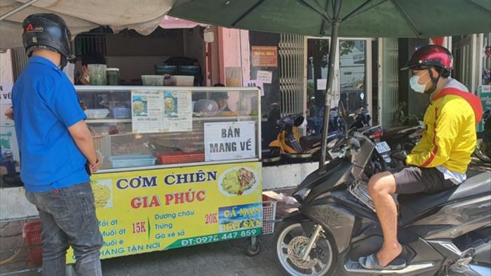 Biển Ninh Thuận vắng lặng không một bóng du khách - 10