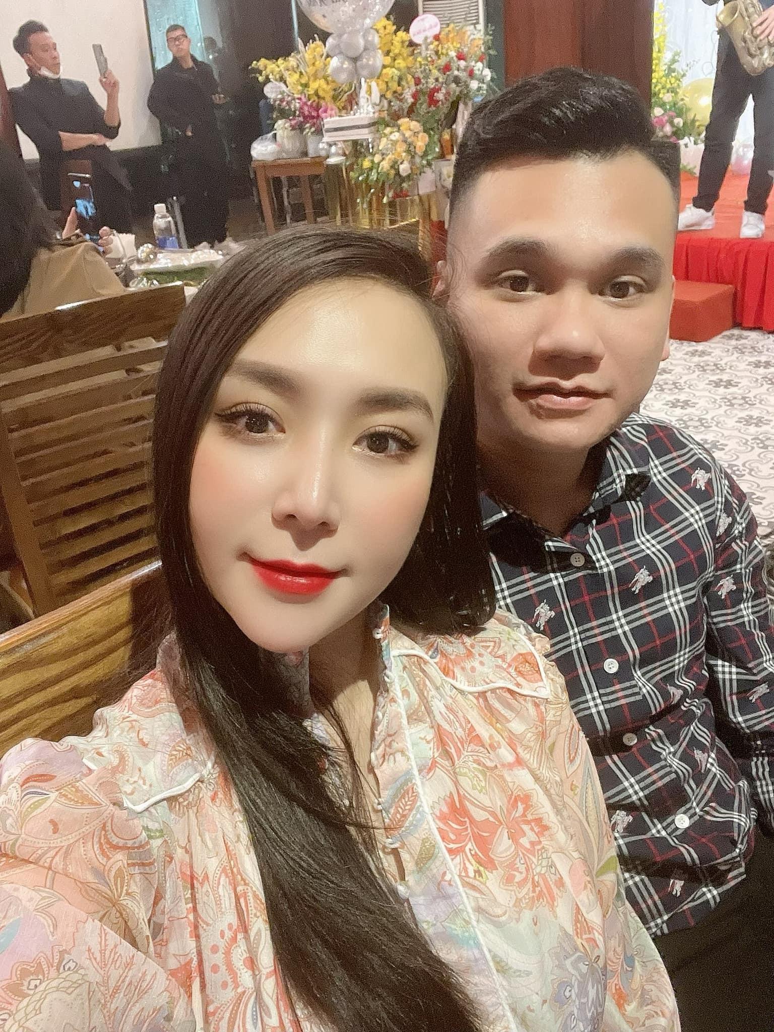 Vợ DJ nóng bỏng, sinh đôi hai con cho ca sĩ Khắc Việt-21