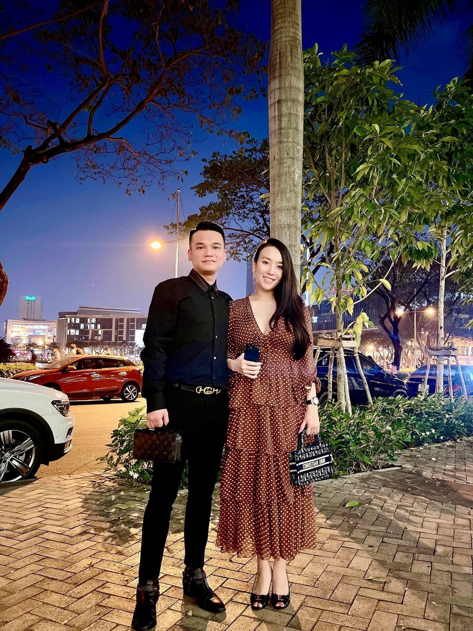 Vợ DJ nóng bỏng, sinh đôi hai con cho ca sĩ Khắc Việt-22