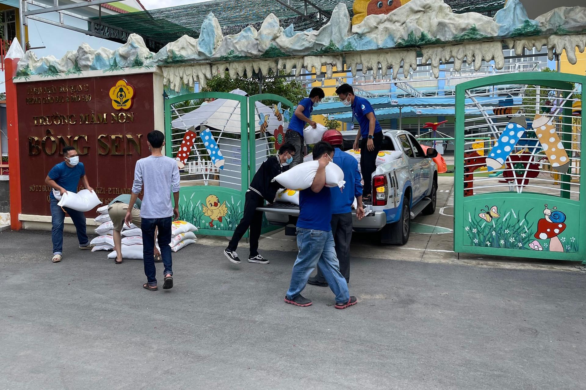 Bán Mercedes mua xe chở ATM gạo: Tôi sẽ chống dịch đến đồng tiền cuối-4