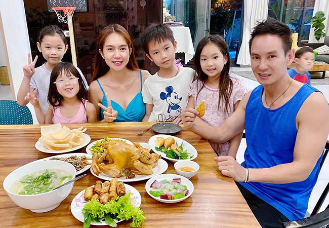 Sao Việt 06/6; Bữa cơm yêu thương của Lý Hải và vợ kém 17 tuổi cùng 4 con-1