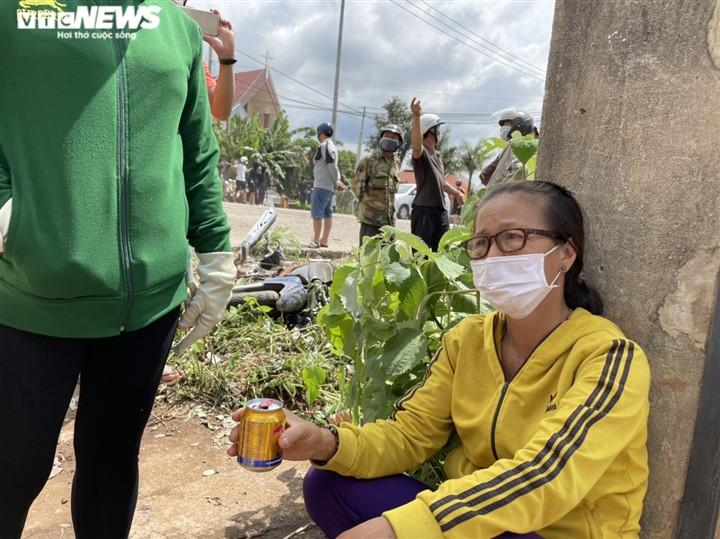Ảnh: Hiện trường vụ xe tải đâm liên hoàn, ít nhất 7 người thương vong ở Đắk Lắk-5
