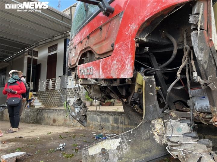 Ảnh: Hiện trường vụ xe tải đâm liên hoàn, ít nhất 7 người thương vong ở Đắk Lắk-3