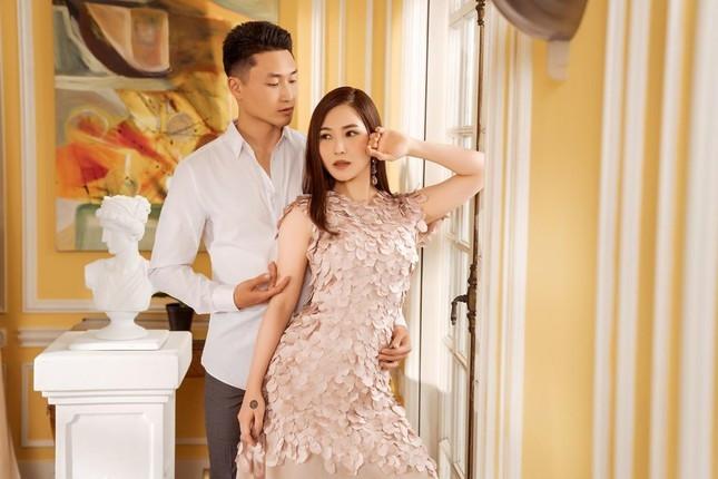 Hậu tin đồn sinh con, Hương Tràm trở thành người vợ đau khổ vì chồng là LGBT-4