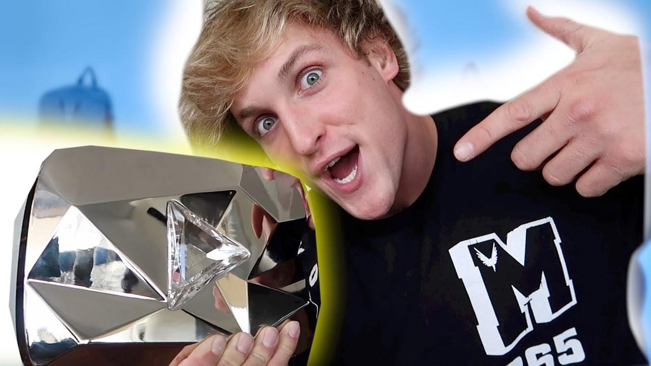 Mayweather bất phân thắng bại với YouTuber Logan Paul-2