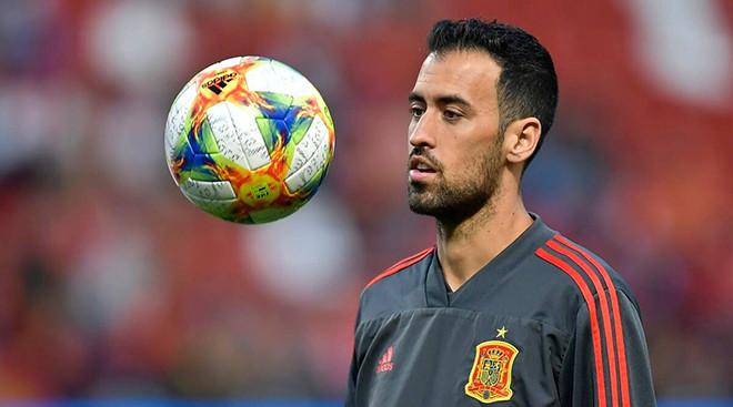 Tin EURO ngày 7/6: Busquets mắc Covid-19. Deschamps đáp trả Mourinho-2