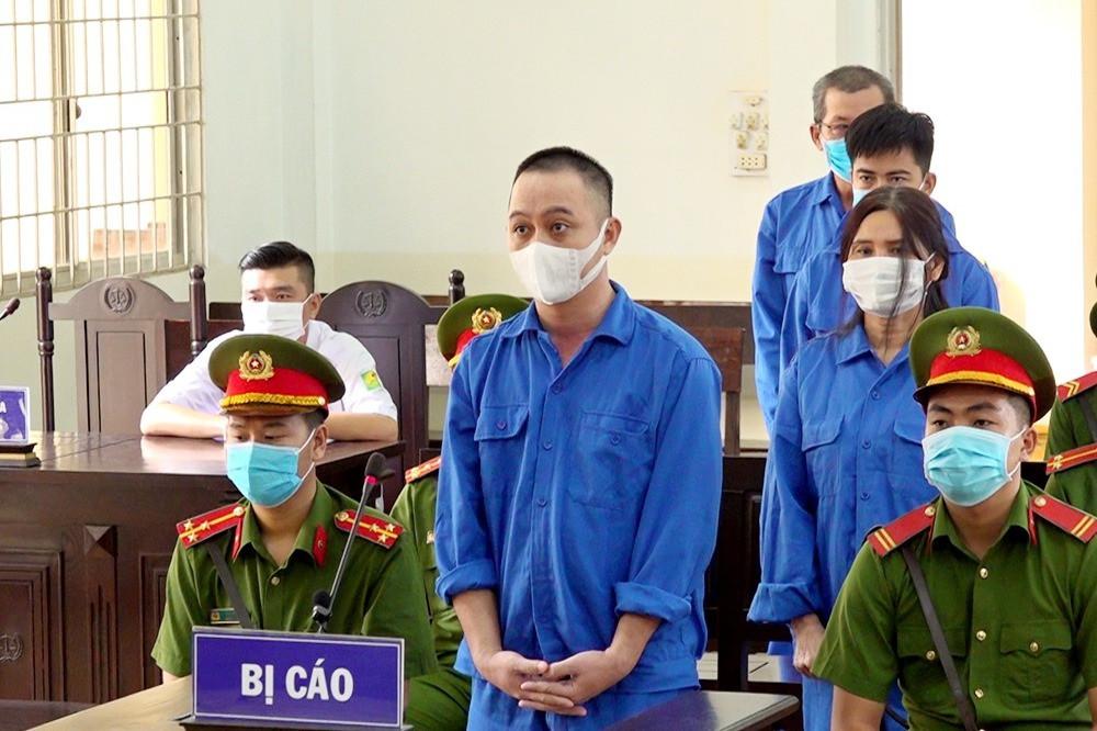 Bốn đối tượng đưa người Trung Quốc xuất cảnh trái phép lĩnh 28 năm tù-1
