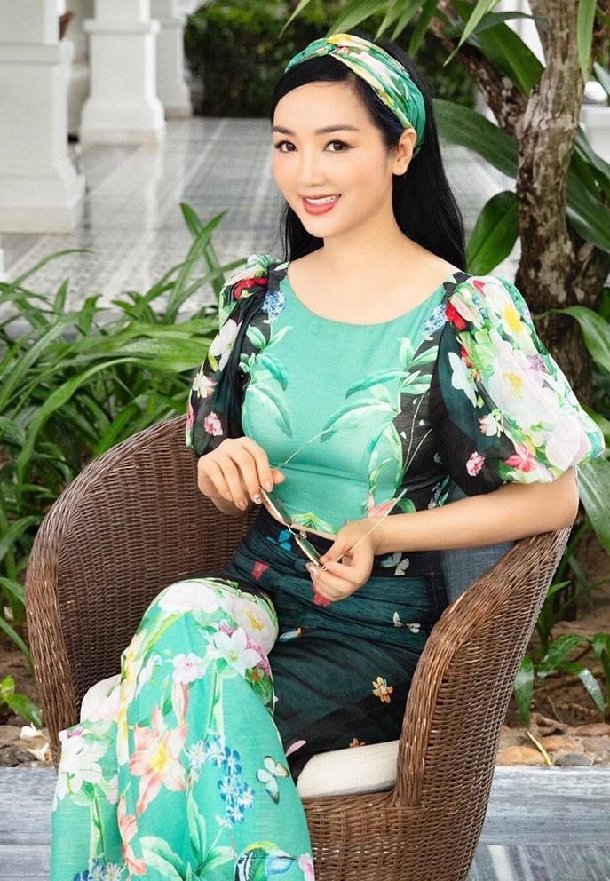 Sao Việt 08/6; Khoảnh khắc bình yên của Thanh Lam bên bạn trai bác sĩ-11