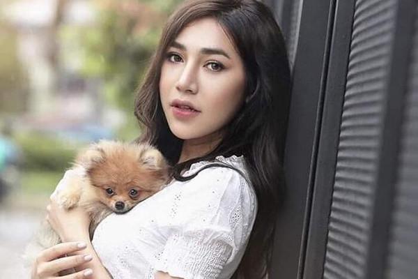 Hoa hậu chuyển giới Myanmar qua đời vì tai nạn giao thông-1