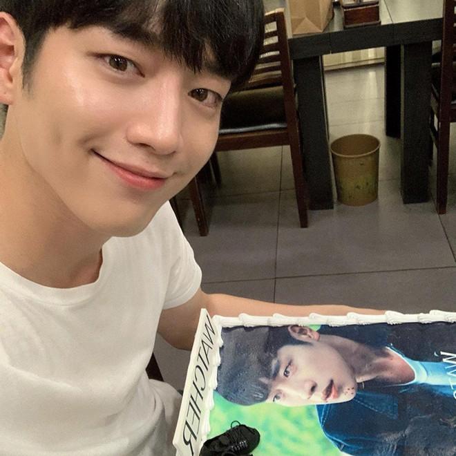 Bác sĩ phẫu thuật chọn 7 nam thần K-pop đẹp trai nhất K-pop-2
