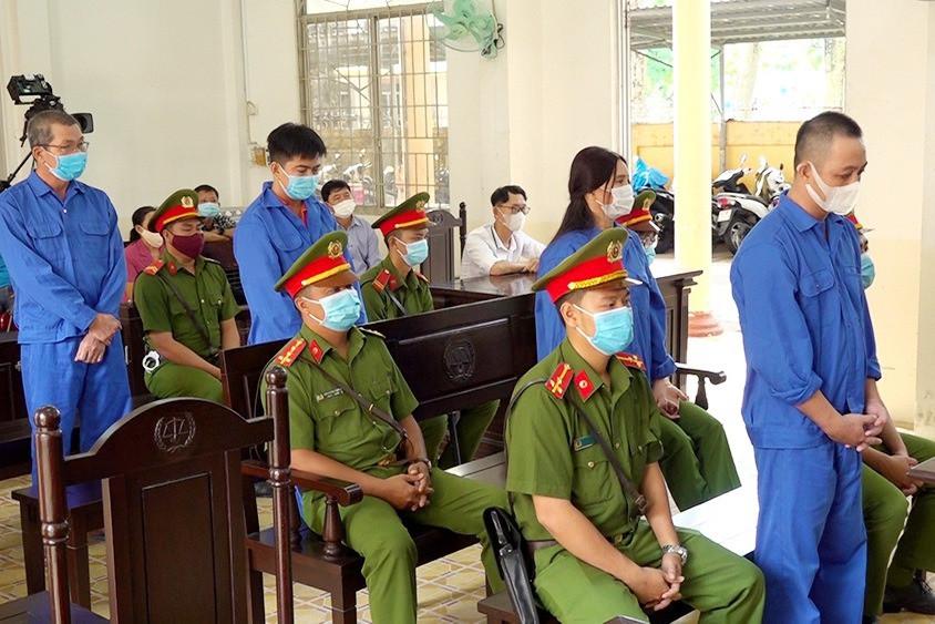 Bốn đối tượng đưa người Trung Quốc xuất cảnh trái phép lĩnh 28 năm tù-2
