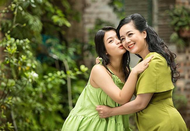 Sao Việt 08/6; Khoảnh khắc bình yên của Thanh Lam bên bạn trai bác sĩ-5