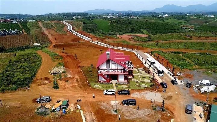 Xẻ đồi 36ha thành 1.000 nền đất để bán: Lật mặt chiêu trò dự án bất động sản-1