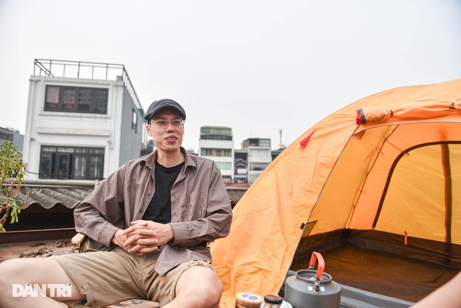 Thèm du lịch, giới trẻ đầu tư cắm trại tại gia: Chỉ ngắm nóc nhà vẫn vui-2
