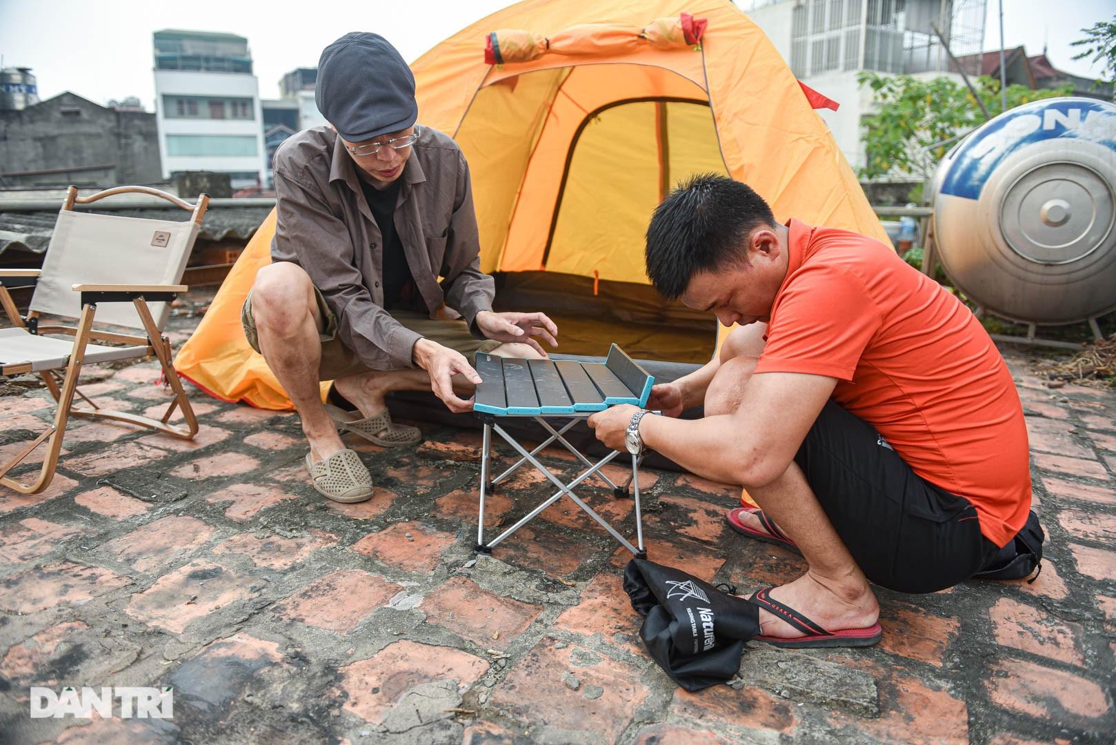 Thèm du lịch, giới trẻ đầu tư cắm trại tại gia: Chỉ ngắm nóc nhà vẫn vui-5