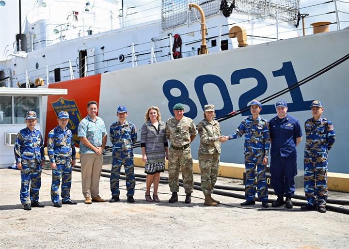 Bộ Tư lệnh Ấn Độ Dương - Thái Bình Dương Mỹ chào đón tàu cảnh sát biển Việt Nam-1