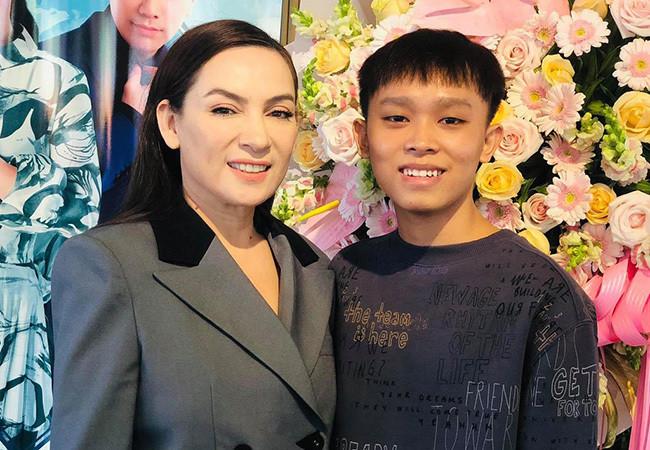 Diva Hồng Nhung tạo dáng vũ công ba lê-2