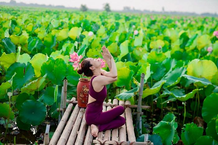 Mãn nhãn với tư thế yoga bên sen của người đẹp U47 tại Thái Bình-6