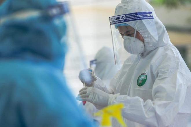 Thực hư về thiết bị xét nghiệm Covid-19 dùng nước súc miệng của CEO Nguyễn Tử Quảng: BV Bệnh Nhiệt đới Trung ương nói gì?-1