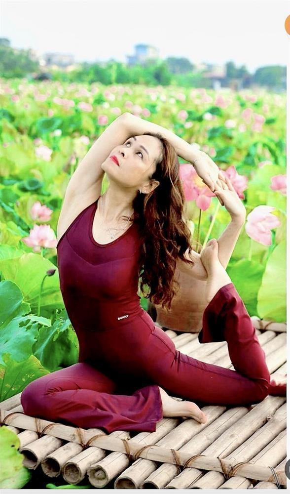 Mãn nhãn với tư thế yoga bên sen của người đẹp U47 tại Thái Bình-7