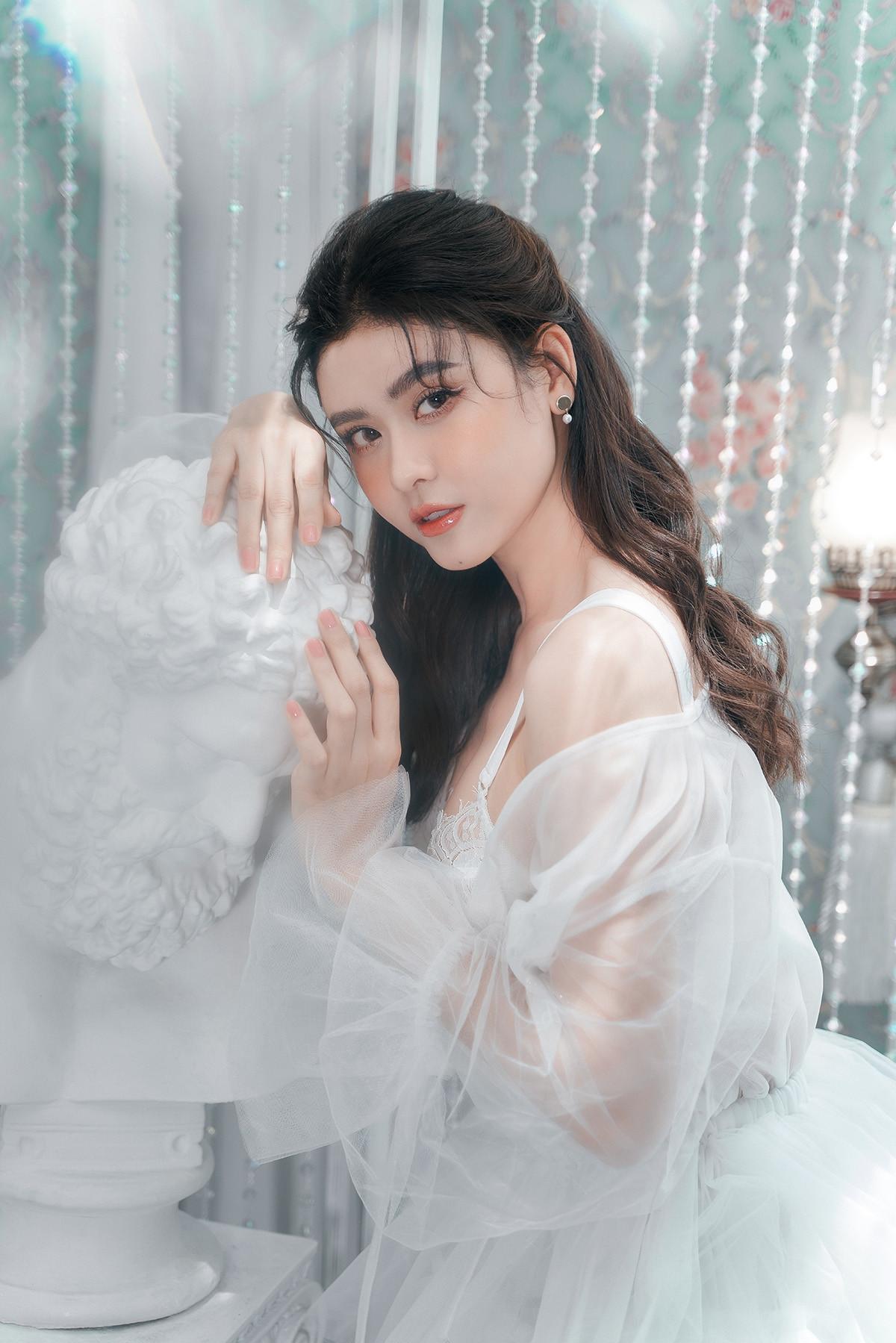 Trương Quỳnh Anh đẹp mong manh trong bộ ảnh mới-12