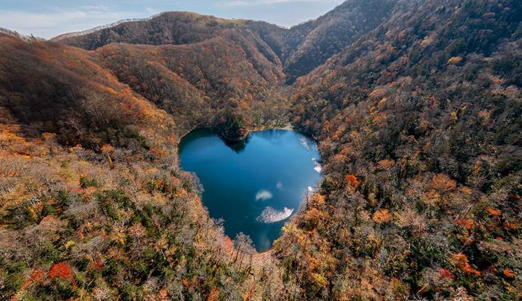 Hồ nước hình trái tim lãng mạn nhất Nhật Bản-2