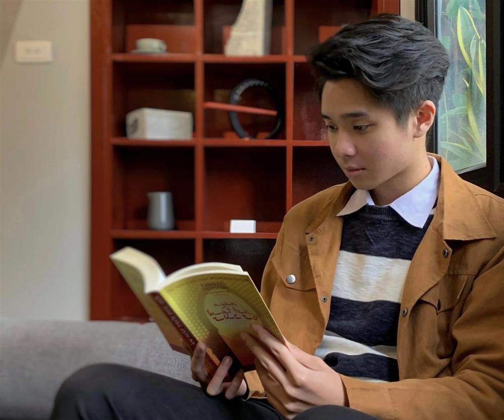 Nam sinh trường ĐH Kinh tế Quốc dân sở hữu ngoại hình điển trai chia sẻ kinh nghiệm học tập xuất sắc-5