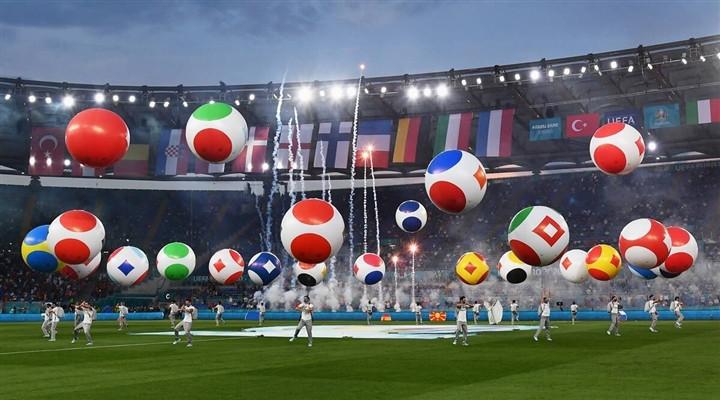 Ảnh: Lễ khai mạc EURO 2020 rực lửa và đầy màu sắc-8
