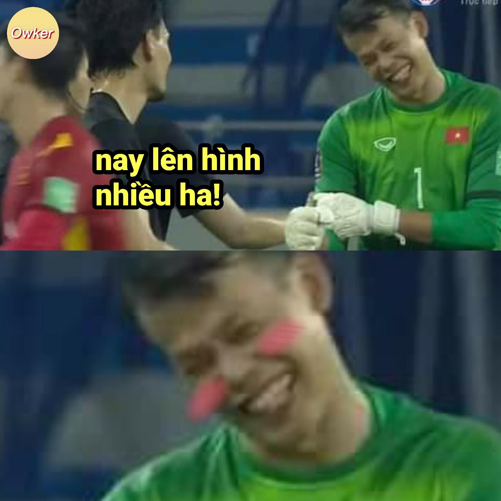 Dân mạng chế ảnh hài hước, tưng bừng ăn mừng chiến thắng trước Malaysia-1