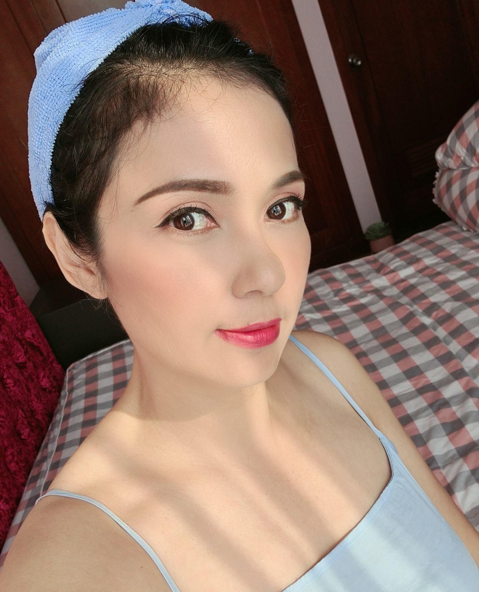 Đời thường trẻ trung tuổi 49 của diễn viên Việt Trinh-25
