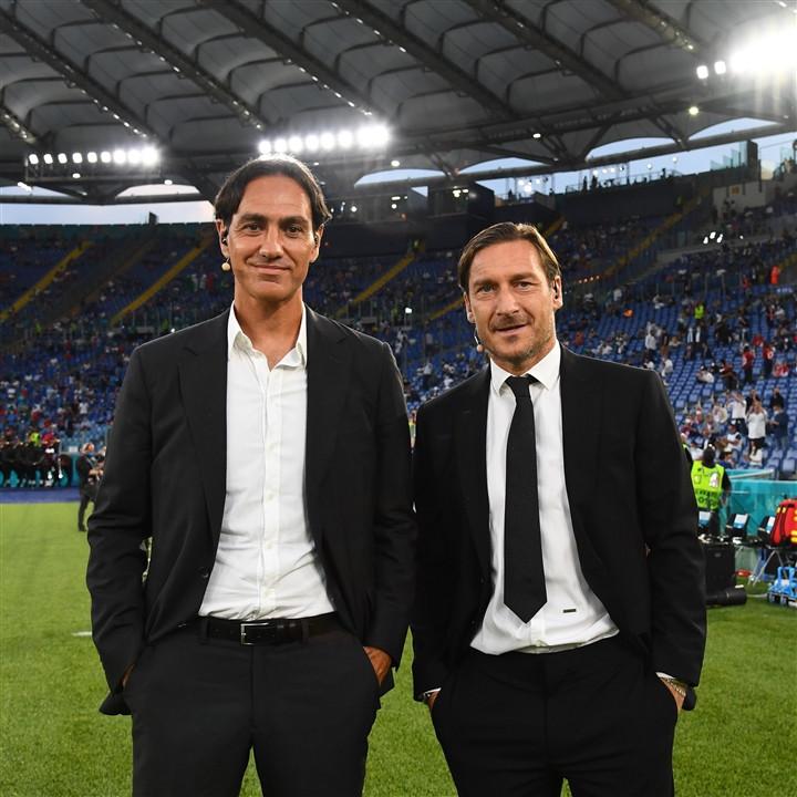 Ảnh: Lễ khai mạc EURO 2020 rực lửa và đầy màu sắc-9