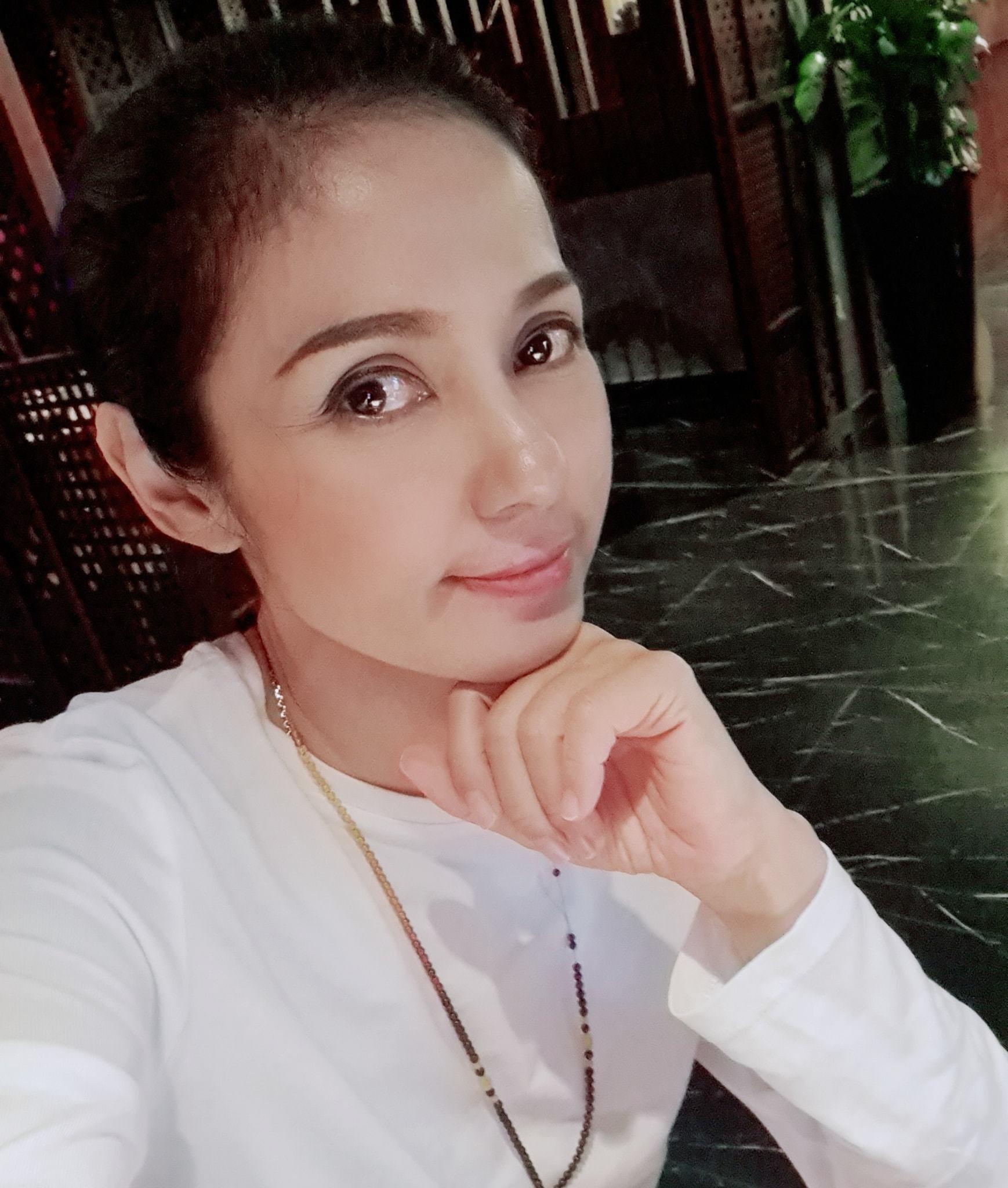 Đời thường trẻ trung tuổi 49 của diễn viên Việt Trinh-3