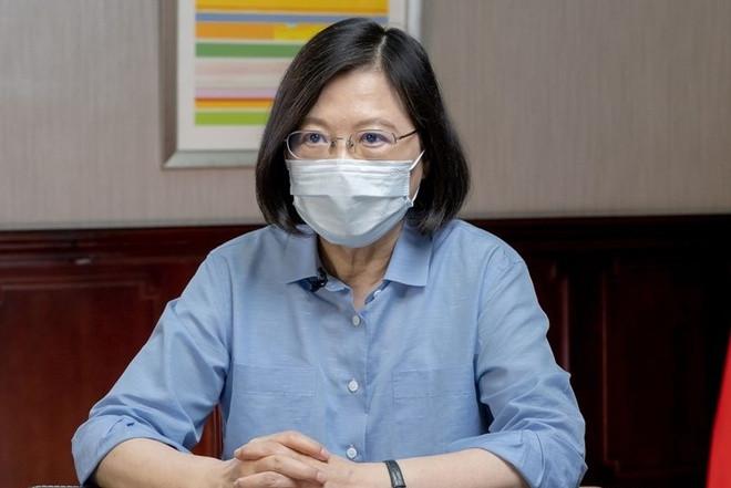 Số người chết vì COVID-19 tăng vọt, lãnh đạo Đài Loan xin lỗi-1