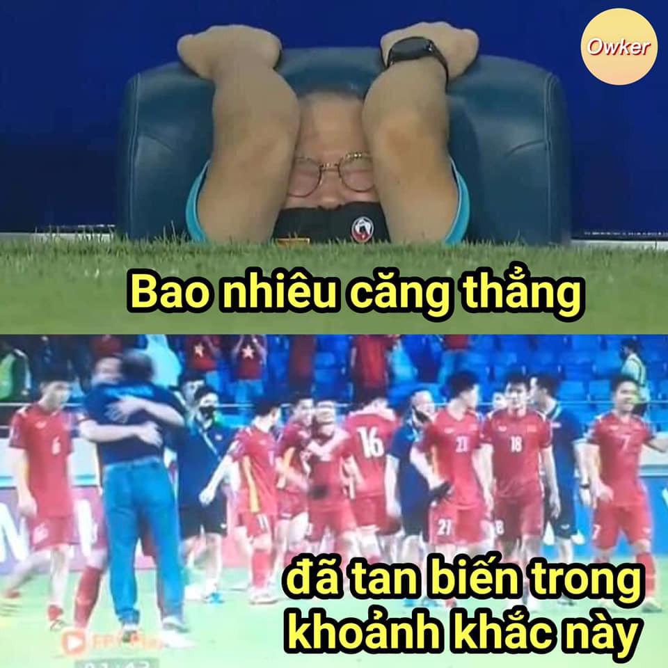 Dân mạng chế ảnh hài hước, tưng bừng ăn mừng chiến thắng trước Malaysia-10