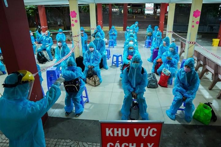 TP.HCM: Hai công nhân ở Bình Tân nghi mắc COVID-19, xét nghiệm hơn 1.700 người-1