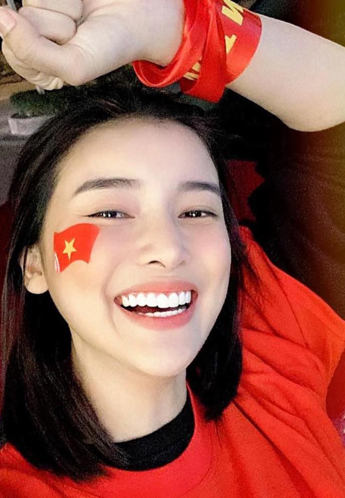 Sao Việt vỡ òa khi tuyển Việt Nam thắng Malaysia-4