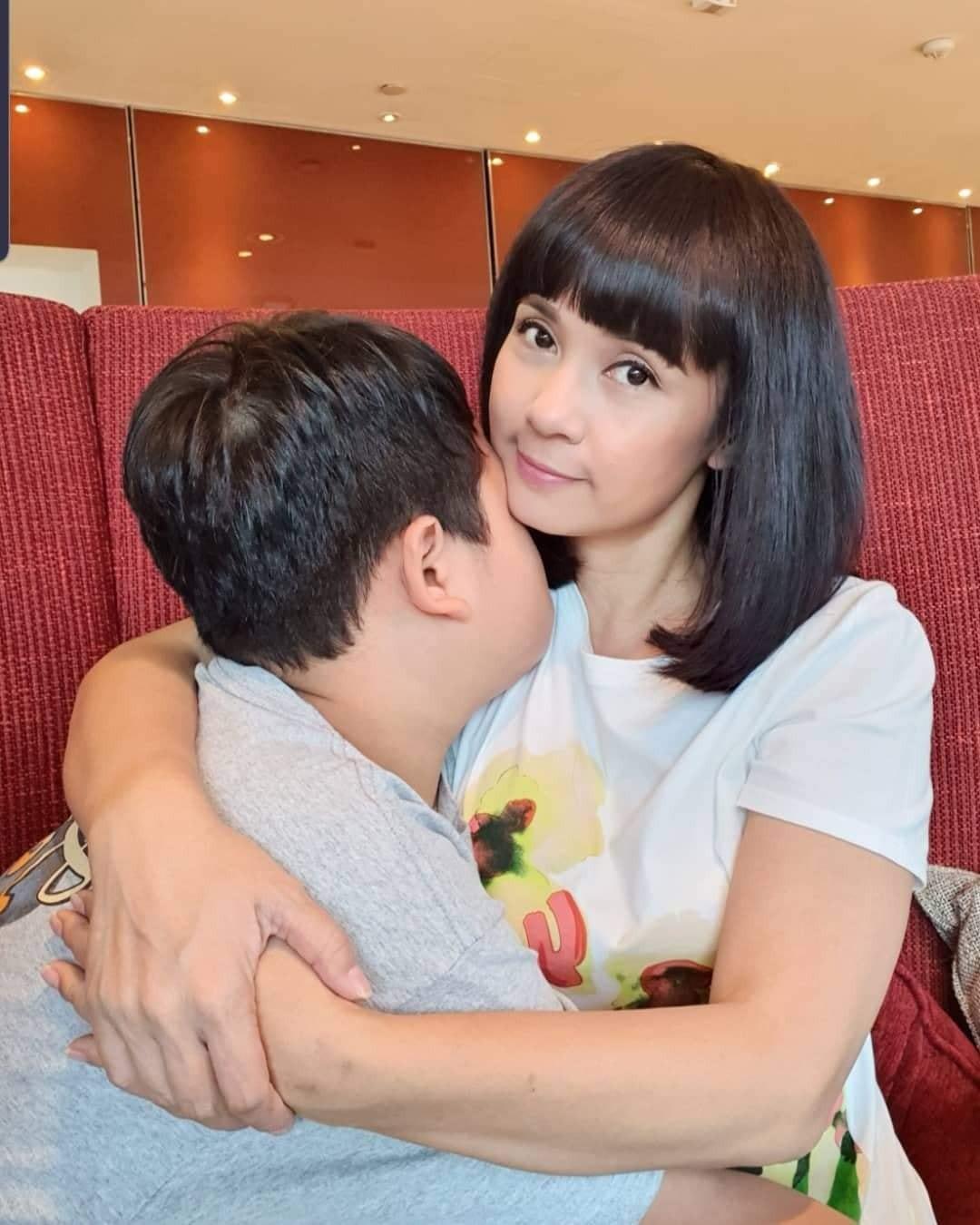 Đời thường trẻ trung tuổi 49 của diễn viên Việt Trinh-16