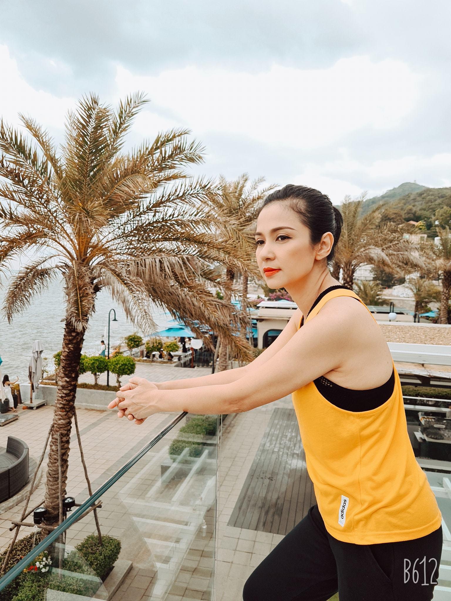 Đời thường trẻ trung tuổi 49 của diễn viên Việt Trinh-23