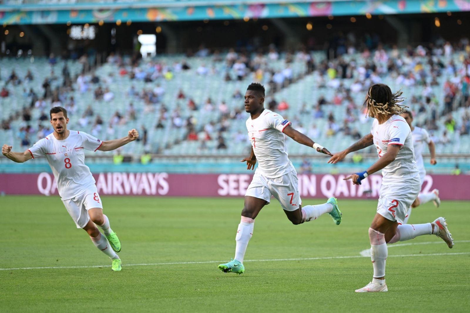 Xứ Wales 1-1 Thụy Sỹ: Bị VAR từ chối 1 bàn thắng, Thụy Sĩ ngậm ngùi chia điểm với xứ Wales-3