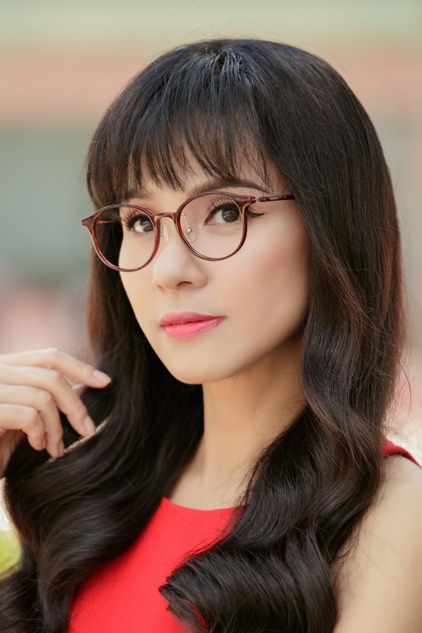 Đời thường trẻ trung tuổi 49 của diễn viên Việt Trinh-20